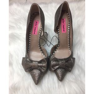 Betsey Johnson glitter bow pumps